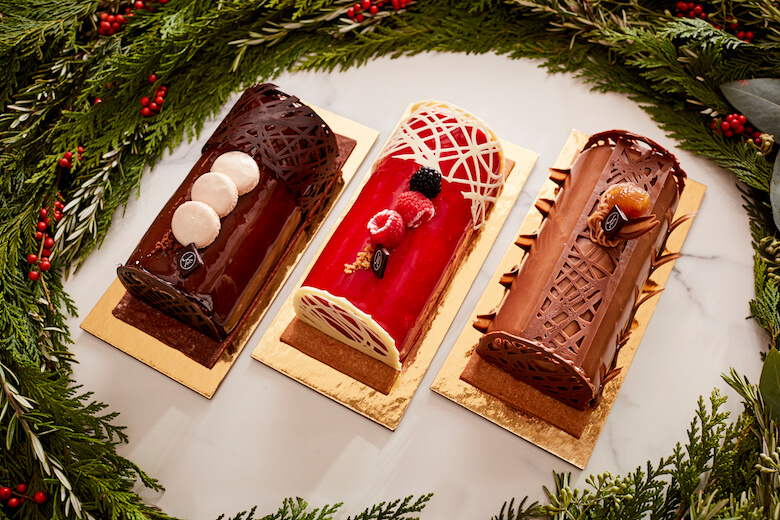 A Behind The Scenes Look At Eric Kayser S Buche De Noel